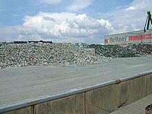 220px-Osthafen-schuettgut-ffm012